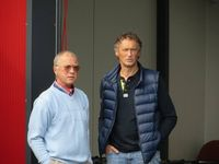 """Moderator Arno Wahl im Gespräch mit Matthias Busch über die """"Mille Miglia"""", das berühmte Straßenrennen in Italien. Ein Gespräch über die Bedingungen der Zulassung und die Erfahrungen im Allgemeinen."""