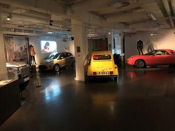 "James-Bond-Ausstellung in London: ""Girl Power""-Bereich. Foto: Auto-Medienportal.Net/London Film Museum"