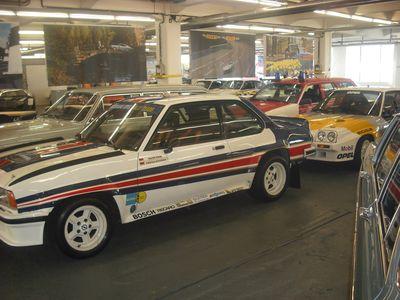 Dienstwagen, rennfertig: Ascona 400 und Manta 400 von Rallyelegende Walter Röhrl