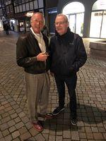 Arno Wahl (Radio Oldtimer) im Gespräch mit Walter Treser auf dem Treffen des Treser-Clubs im Hameln.